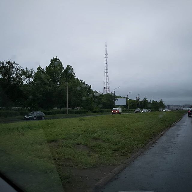 Телебашня в облаке #омск #россия #дождь #телебашня // #tvtower in #cloud #rain #omsk #russia